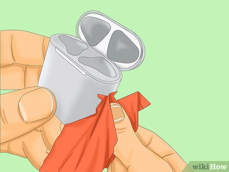 чистка кейса салфеткой