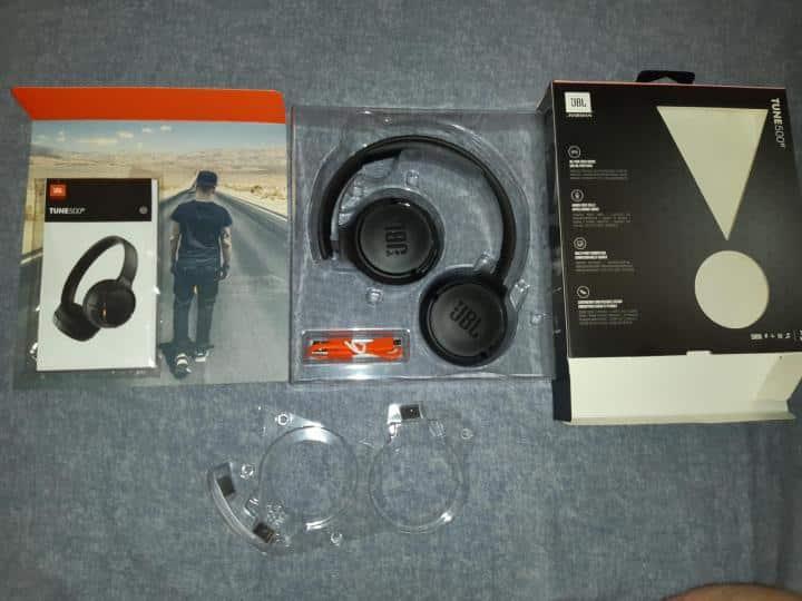 JBL Tune 500BT Комплектация